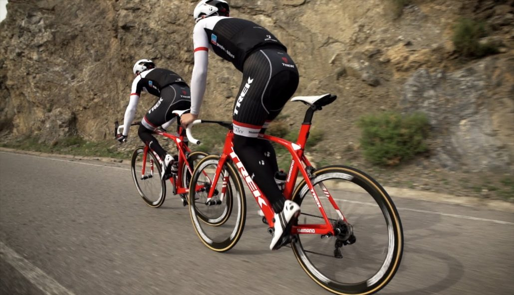 Das Trek Factory Racing Team mit dem Madone unterwegs.