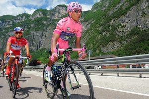#FightForPink: Nairo Quintana im Leadertrikot beim Giro d'Italia 2014. Foto: Tim De Waele